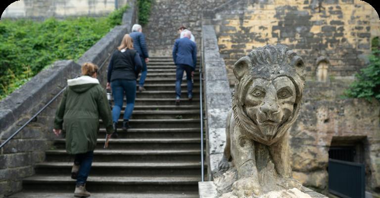 Betreedt de kasteelruine in Valkenburg