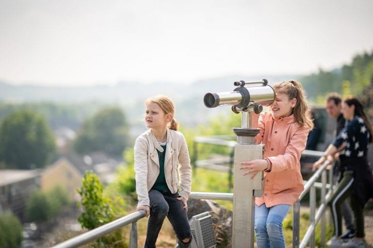 Kids op de Kasteelruïne Valkenburg